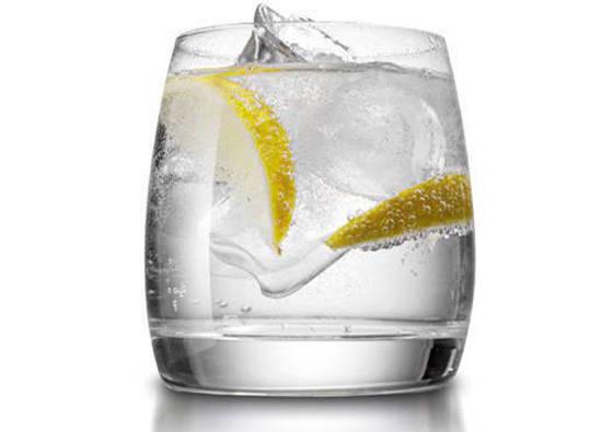 Džinas su toniku (alkoholinis kokteilis)