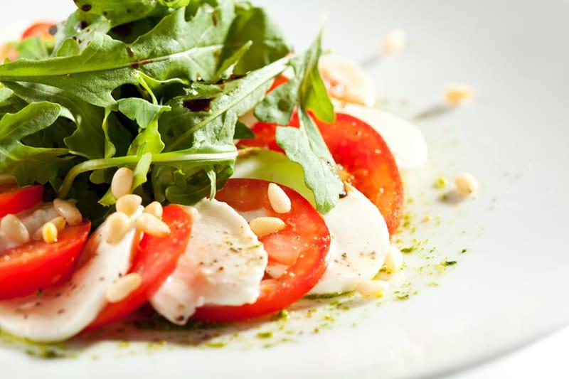 Kaprio salotos su Pesto padažu